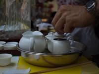 淵に岩茶渋(?)がカッコイイ白磁の茶壺